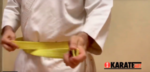 Como Amarrar a Faixa do Karate Parte 05