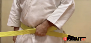Como Amarrar a Faixa do Karate Parte 07